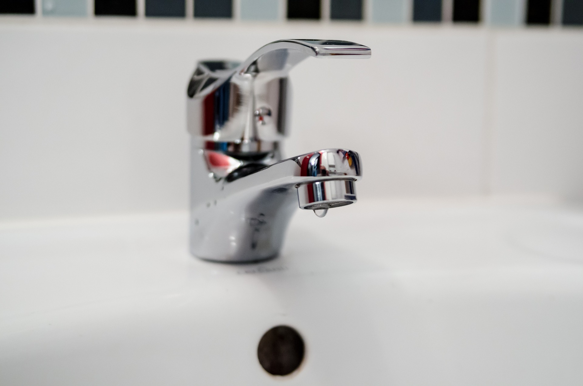 Dépannage robinetterie : une fuite d'eau peut vous coûter très cher !